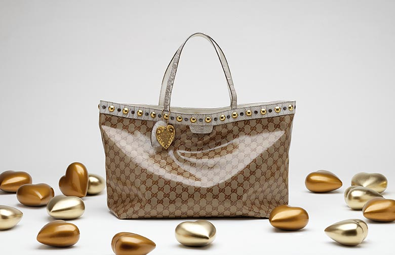 d9867fb2e48 gucci cosmetic bags on sale outlet buy gucci luggage outlet
