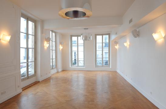 location privatisation la cour du marais paris 4 eme. Black Bedroom Furniture Sets. Home Design Ideas