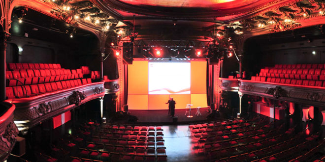 Location de la cigale paris 18 me for Piscine 18eme paris
