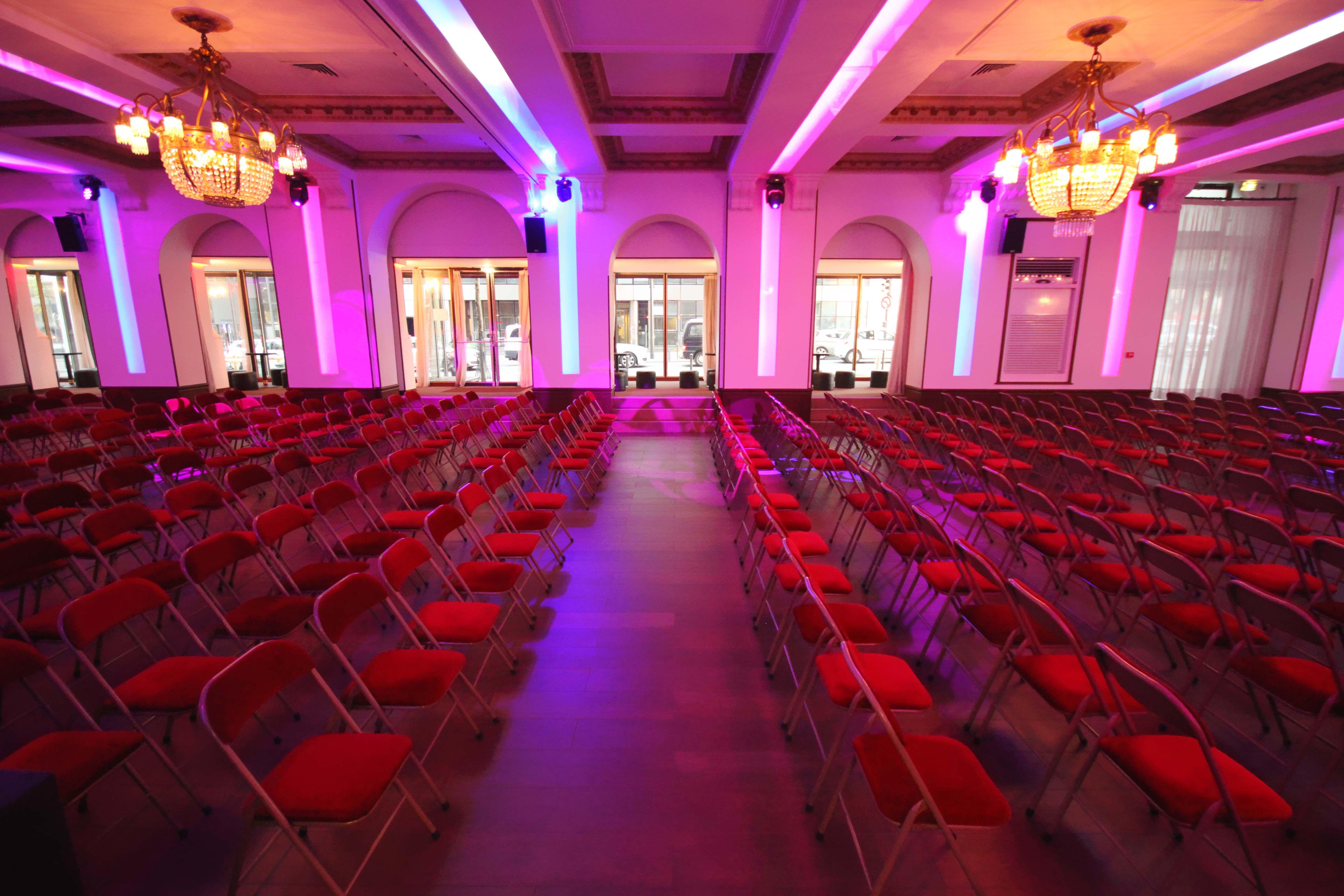 Location privatisation salons vianey paris 12 eme for Les salons vianey