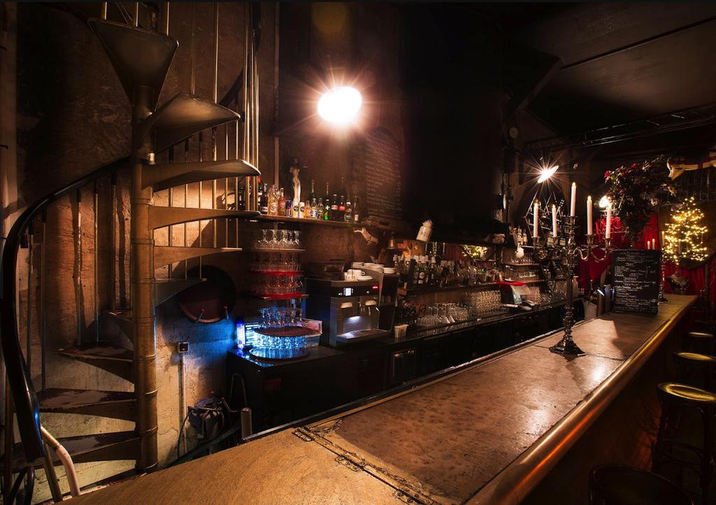 Le Réservoir Bar