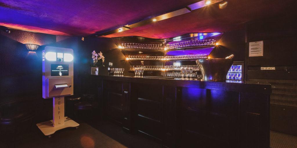 Bar - Scarlett