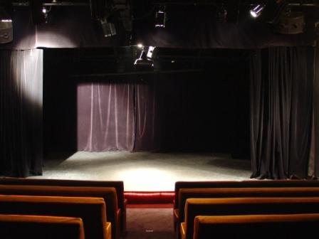 Location Auguste Theatre