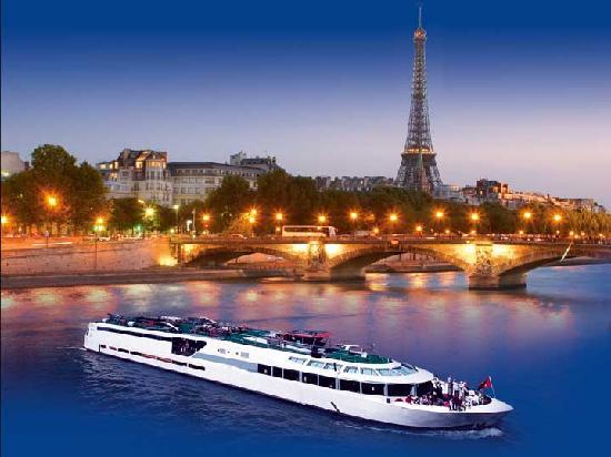 location du bateau VIP Paris 9eme