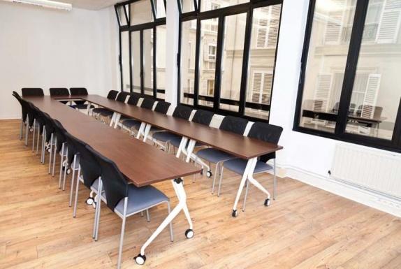 Location espaces reunion paris 10 me - Grande table de reunion ...