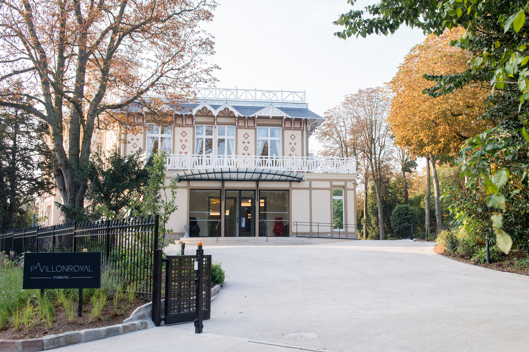 Pavillon royal for Bois de boulogne piscine