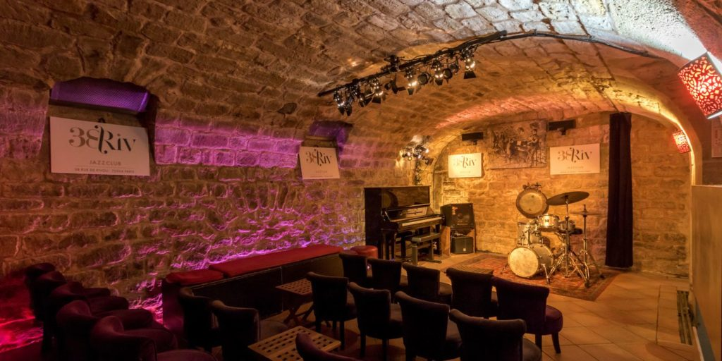 jazz club cave