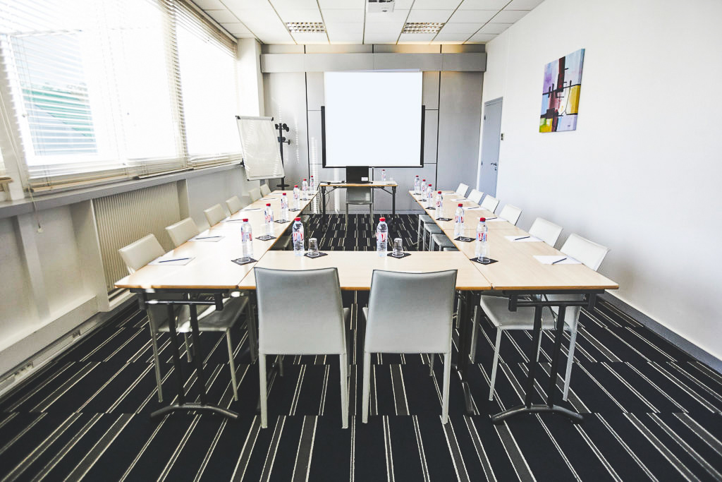 Formation réunion en U
