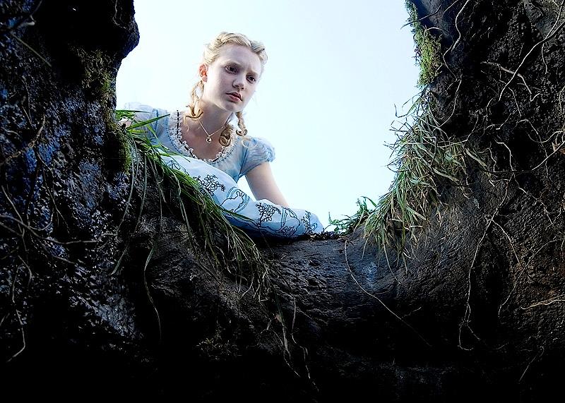 Alice aux pays des merveilles le dernier tim burton - Maison alice au pays des merveilles ...