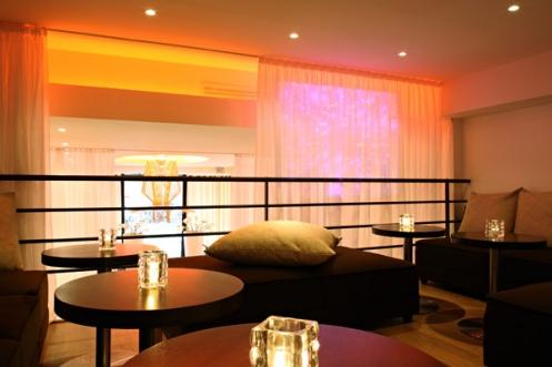 Location privatisation le salon 105 paris 8 me for Salon uv paris